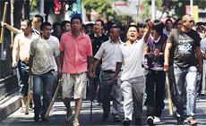 Suku Han Memburu Suku Uighur