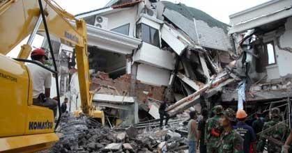 evakuasi gempa padang pariaman