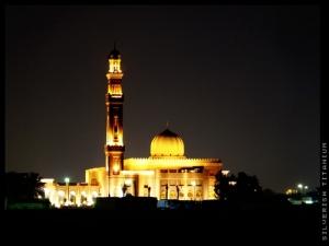 Jumeirah-beach-Dubai-UAE-mosque-night-contrast, masjid di dubai, masjid timur tengah, masbadar.com