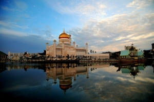 Brunei-Ramadan-Mosque-water-reflection, masjid di brunei, masbadar.com