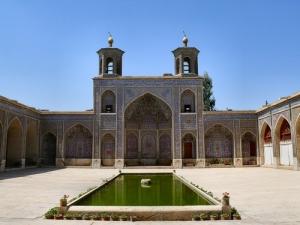 portico-courtyard-Nasr-Molk-mosque-Shiraz-fars-Iran, masbadar.com, masjid