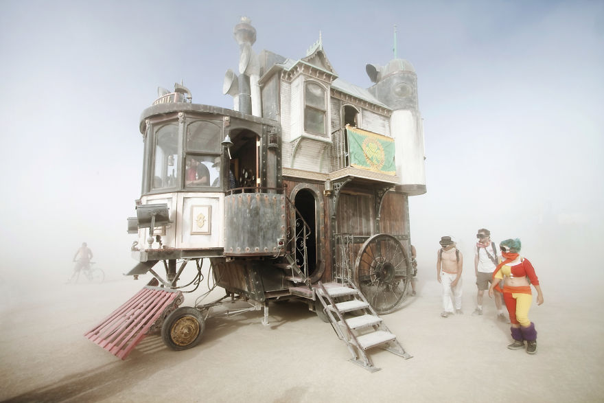 tiny-homes-perfect-for-little-space-neverwas-haul-victorian-home-on-wheels
